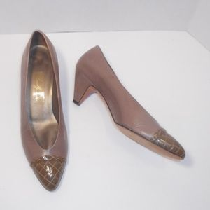 Amalfi Pillow STAR/C taupe heel with patent toe